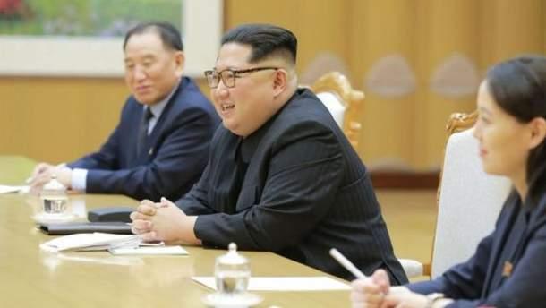 Кім Чен Ин готовий оголосити про ядерне роззброєння КНДР, – NYT