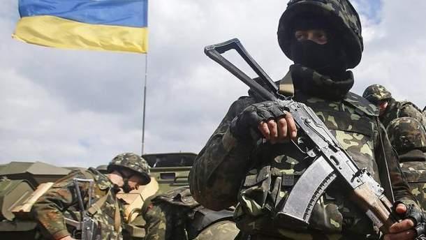 Один український військовий загинув на Донбасі, ще двоє поранені, – Штаб АТО