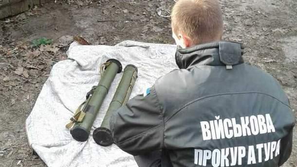 Контрактник продавал гранатометы