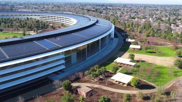 """Apple напомнила о """"свободной от полетов"""" зоне над Apple Park"""