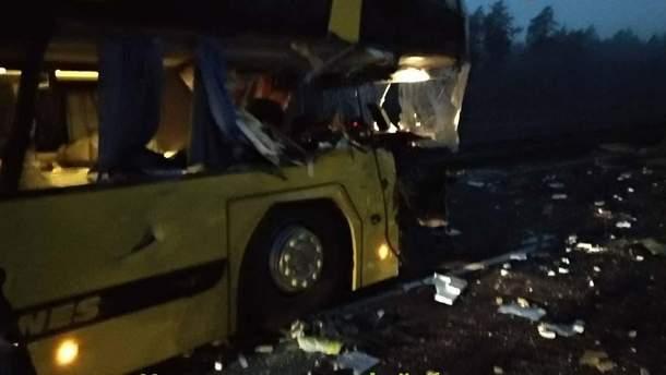 У Польщі автобус з українцями потрапив у ДТП
