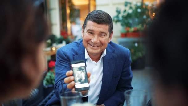 Пленки Онищенко могут посадить Порошенко и Тимошенко на одну скамью подсудимых