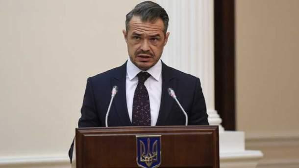 Новак не поддерживает отмену желтого сигнала светофора на дорогах Украины