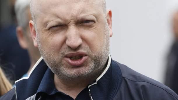 Вдоль российско-украинской границы запустят систему блокировки антиукраинского вещания, – Турчинов