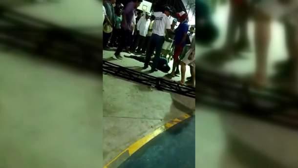 У Мексиці натовп влаштував самосуд з крокодилами над ґвалтівником: відео 18+