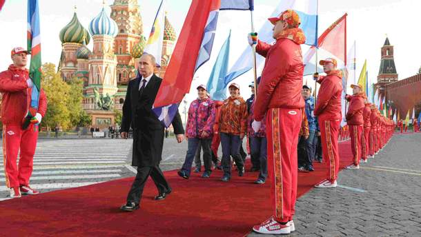 Владимир Путин на Красной площади в Москве (иллюстративное фото)