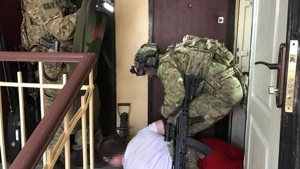 В Киеве СБУ обнаружила группу торговцев оружием, вывезенным из АТО