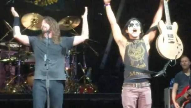 Фанат Foo Fighters влаштував фурор на концерті