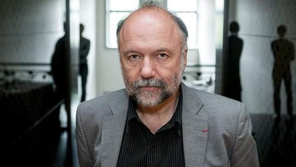 Андрей Курков вступился за русскоязычных коллег