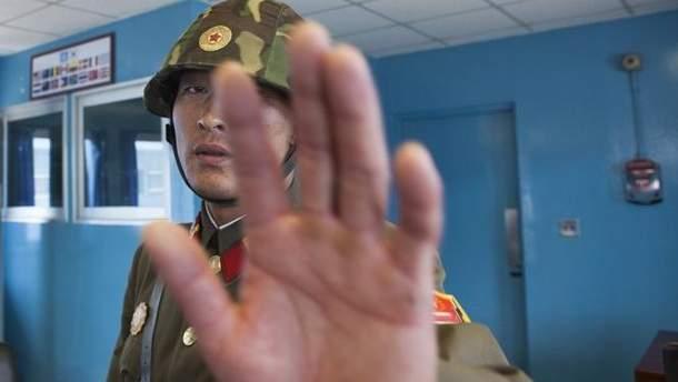 Південна Корея вимкнула трансляцію пропаганди на кордоні з КНДР