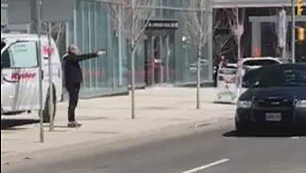 Нападник у Торонто був озброєний