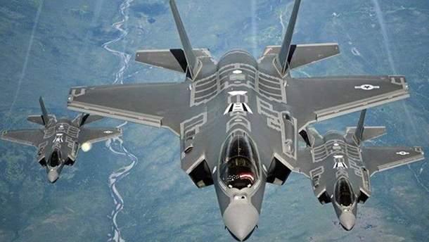 Американский истребитель-невидимка F-35 аварийно приземлился в Японии