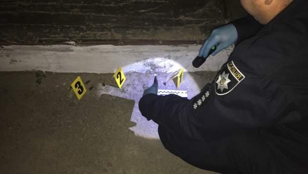 На месте убийства работает полиция