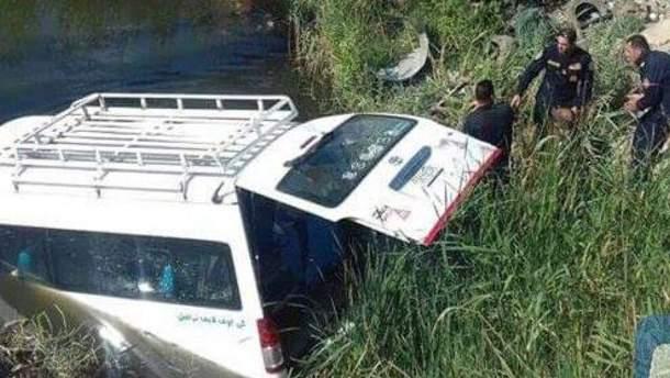 Фургон с туристами перевернулся в Египте: есть погибшие