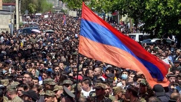 Протесты в Армении: демонстранты вновь перекрыли дороги