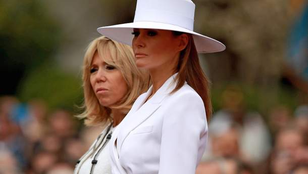 Меланія Трамп приміряла вишуканий костюм з капелюхом та стала зіркою соцмереж (фото)