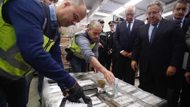 Контрабандисти сховали рекордну для Європи партію кокаїну серед бананів: деталі від поліції