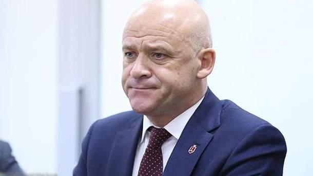 Геннадий Труханов начал разговаривать на украинском