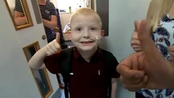 Хірурги провели унікальну операцію 7-річному хлопчику