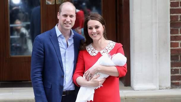 Принц Уильям и Кейт Миддлтон с маленьким сыном
