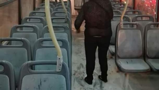 У Перу чоловік підпалив жінку в автобусі