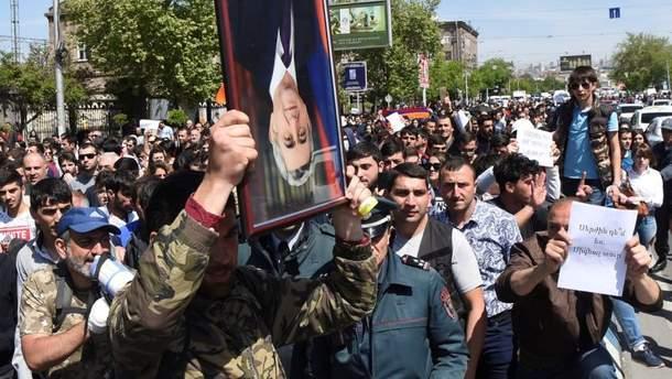 В Армении продолжаются акции протеста против власти