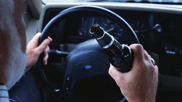 Во Львове нетрезвый водитель делал вид, что немой