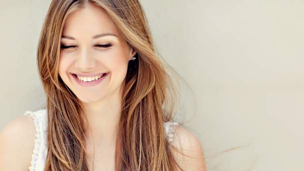 Як усмішка впливає на реакцію людей
