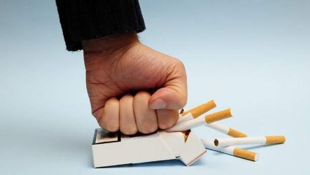 """Куріння сигарет """"вбиває"""" шість людських органів"""