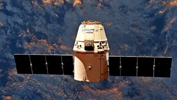 Космическая капсула SpaceX