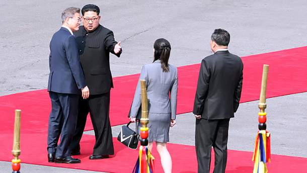 Историческая встреча между лидером КНДР Ким Чен Ыном и руководителем Южной Кореи Му Чжэ Ином