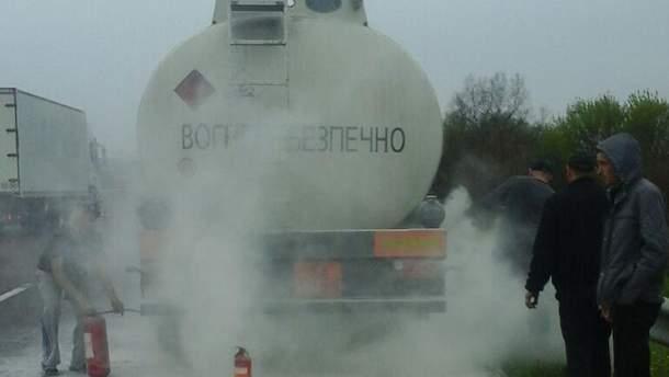 На Ровненщине едва не взорвалась автоцистерна с бензином