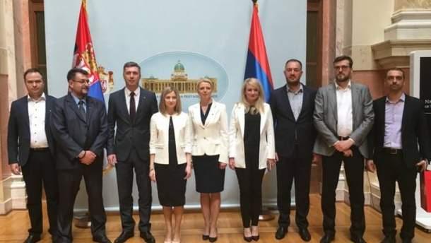 Киев объявил ноту протеста Сербии за прием Поклонской