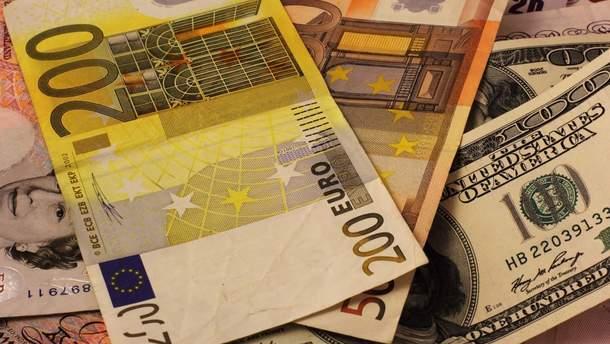 Наличный курс валют 30 апреля в Украине
