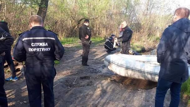 ВКиеве cотрудники экстренных служб обнаружили мужское тело вДнепре
