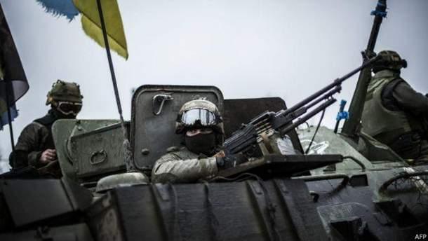 На Донбасі п'ятеро військових поранено та травмовано через обстріли