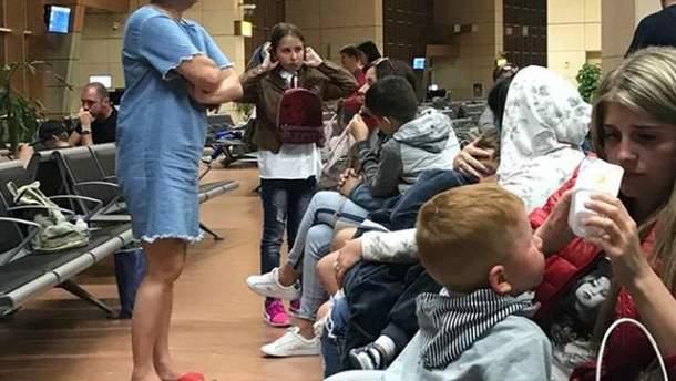 Украинские туристы в аэропорту Египта