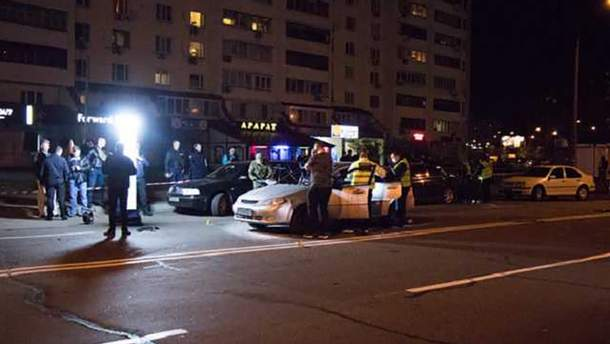 Место взрыва авто на Драгоманова в Киеве