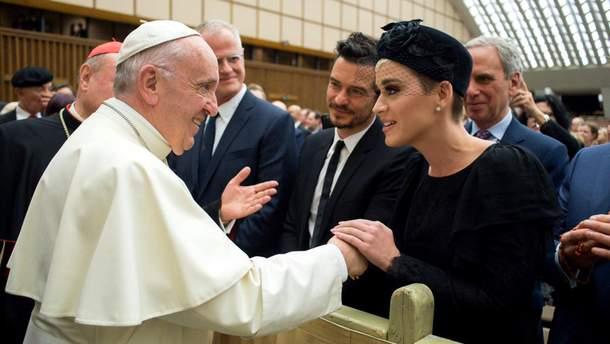 Кэти Перри и Орландо Блум встретились с Папой Римским