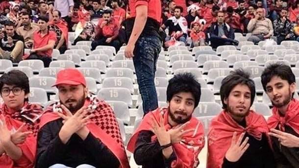 Иранские женщины на футболе