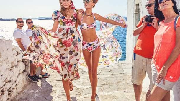 Дарья Миненко (справа) в рекламе кампейна #DGLovesMykonos для Dolce&Gabbana