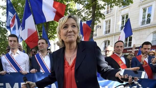 Ле Пен зібрала лідерів європейських ультраправих сил, щоб розкритикувати ЄС