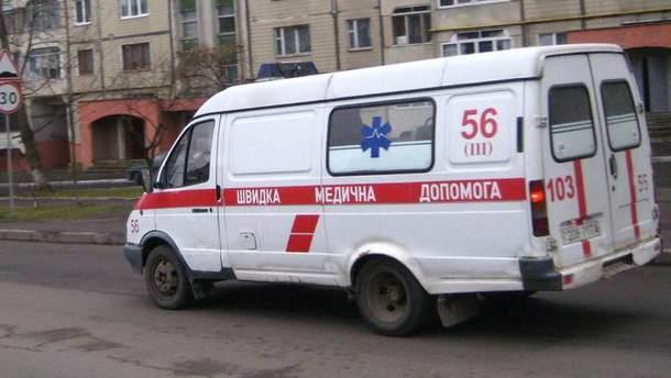 """Во Львове женщина наглоталась таблеток и оставила своей коллеге сообщение """"Засыпаю навсегда"""" (иллюстративное фото)"""