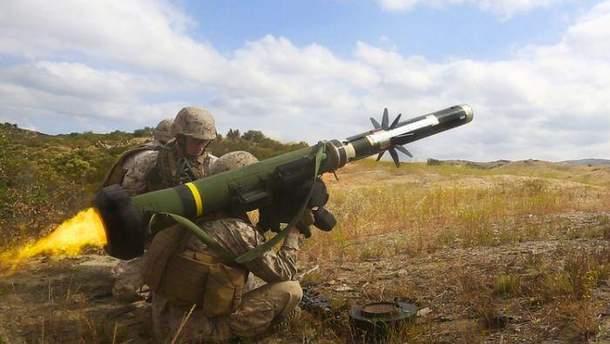 Военный с Javelin
