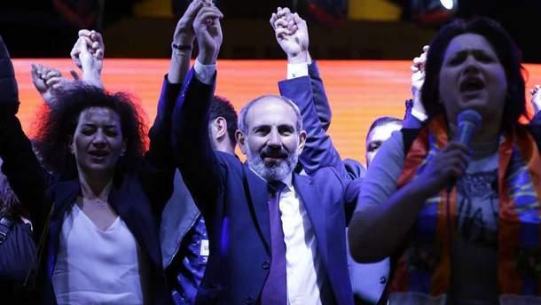 Політична криза у Вірменії може бути вирішена тільки в разі обрання Пашиняна