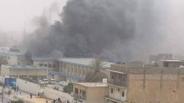 В Ливии смертники подорвались на избирательном участке: по меньшей мере 16 погибших