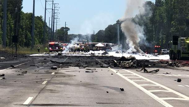У США на автомагістраль упав літак Нацгвардії США: є  жертви
