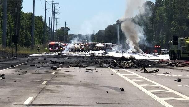 В США на автомагистраль упал самолет Нацгвардии США: есть жертвы