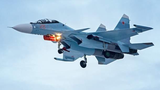 Винищувач ВПС Росії зазнав катастрофи у Сирії