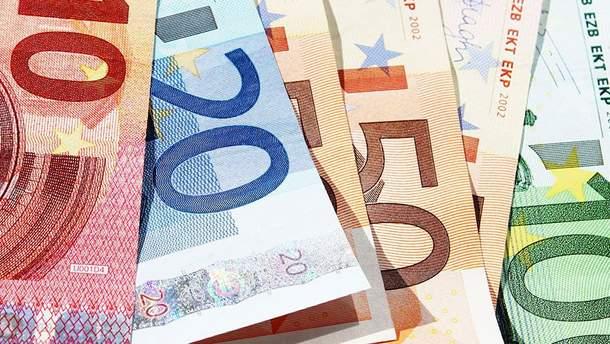 Курс валют НБУ на 7 мая: курсы доллара и евро изменений не претерпели